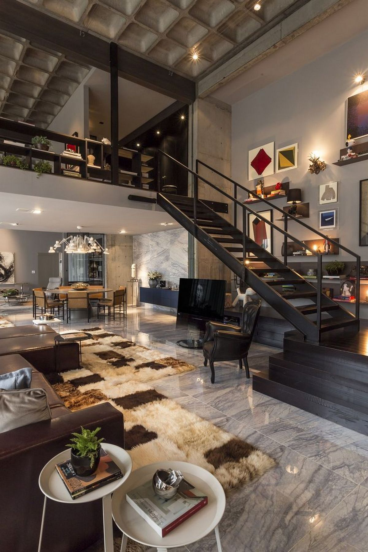 индустриальный стиль в интерьере двухуровневой квартиры