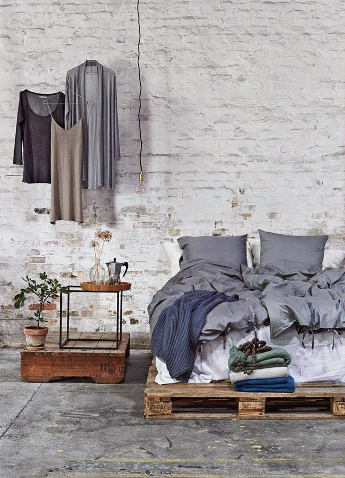 индустриальный стиль в интерьере спальни фото