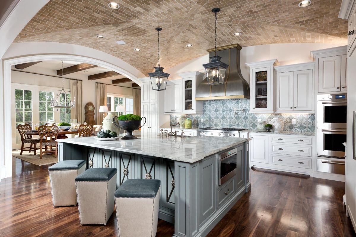 кухня в итальянском стиле арочный потолок