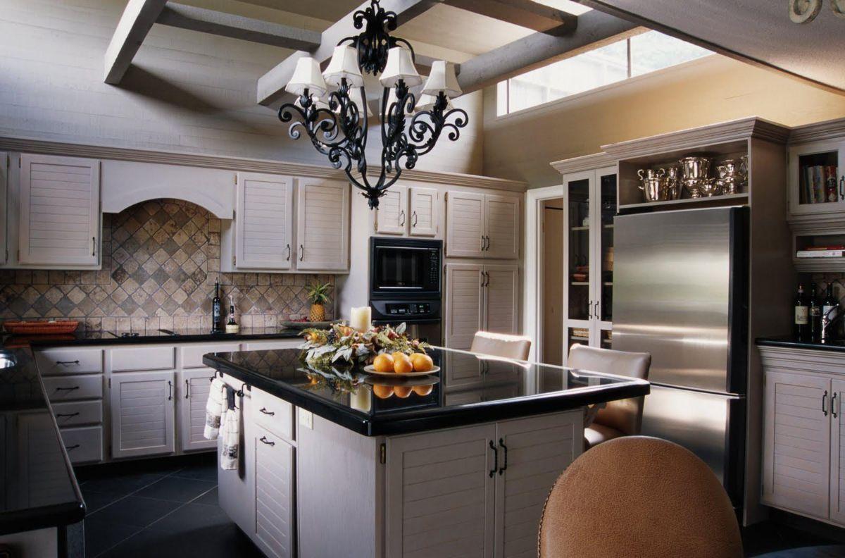 кухня в итальянском стиле кремовая палитра