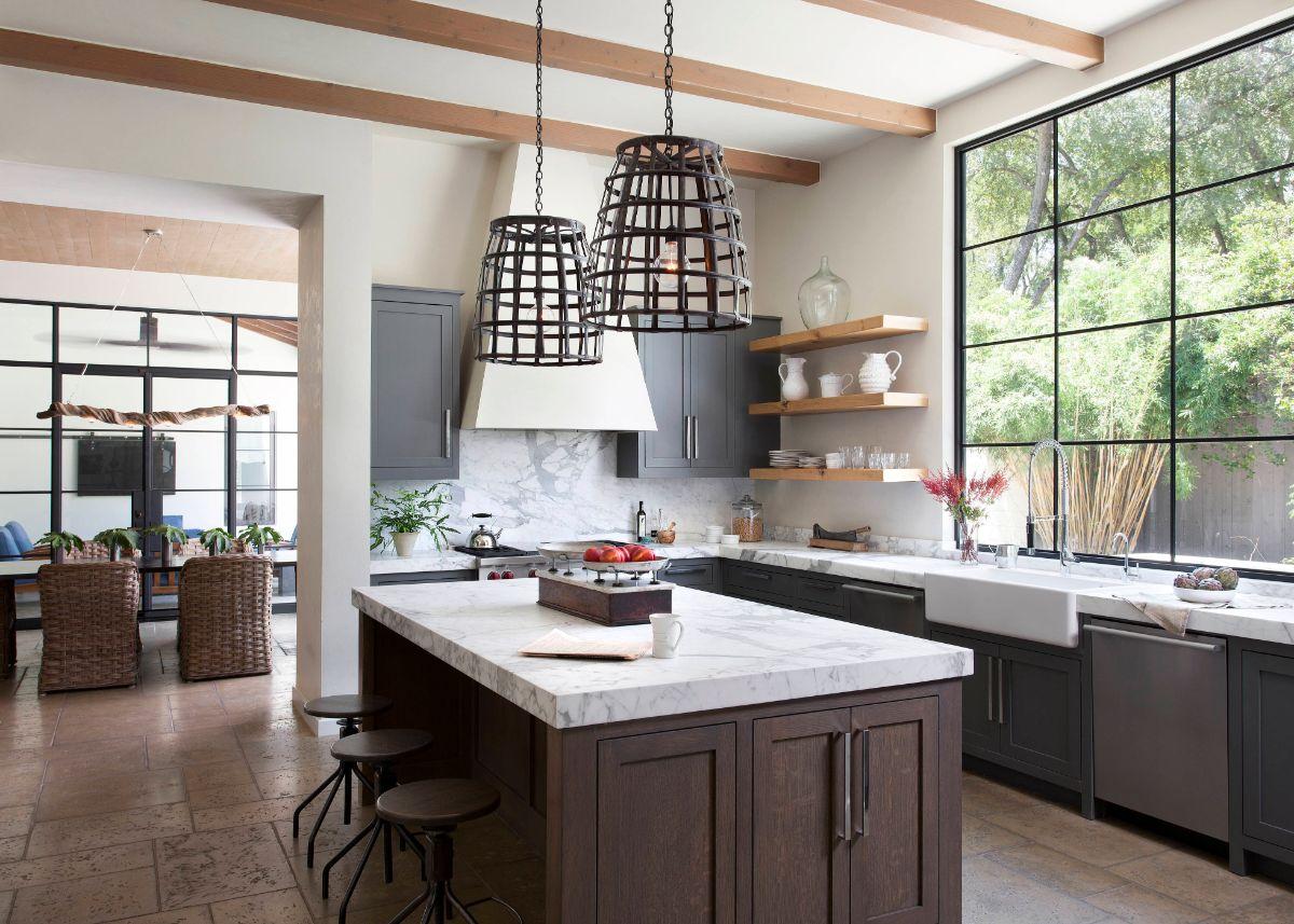 кухня в итальянском стиле панорамное окно