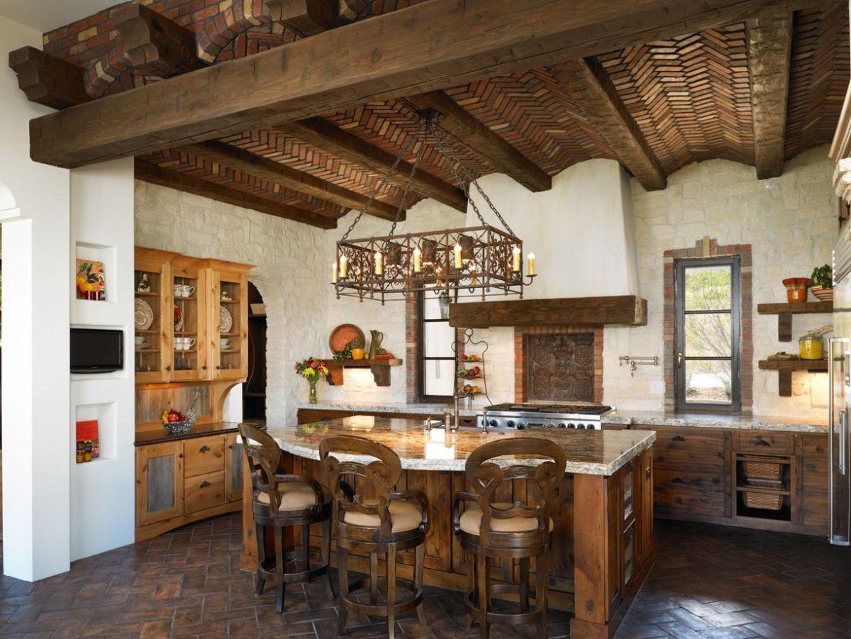 кухня в итальянском стиле потолок из кирпича
