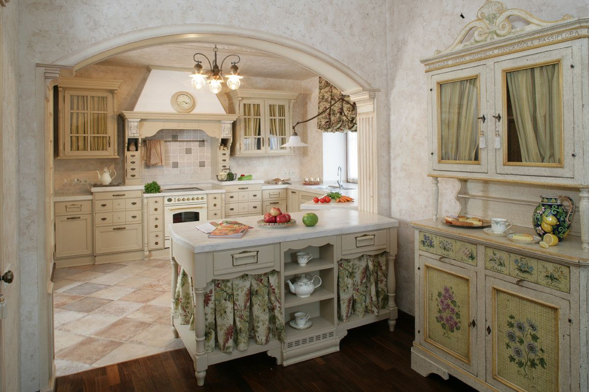 кухня в итальянском стиле с аркой