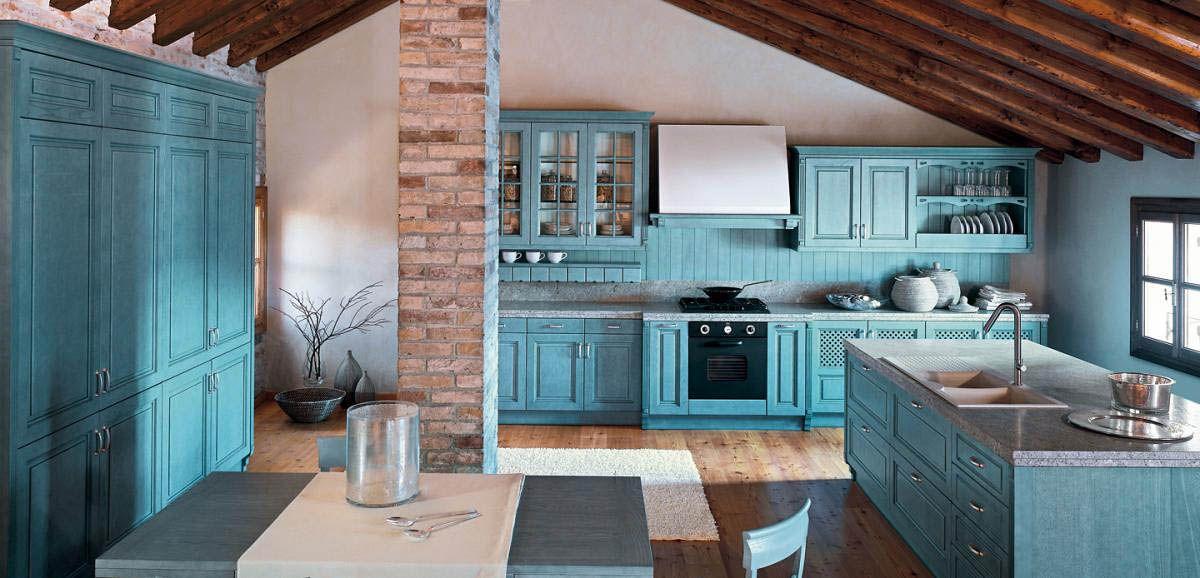 кухня в итальянском стиле в мансарде
