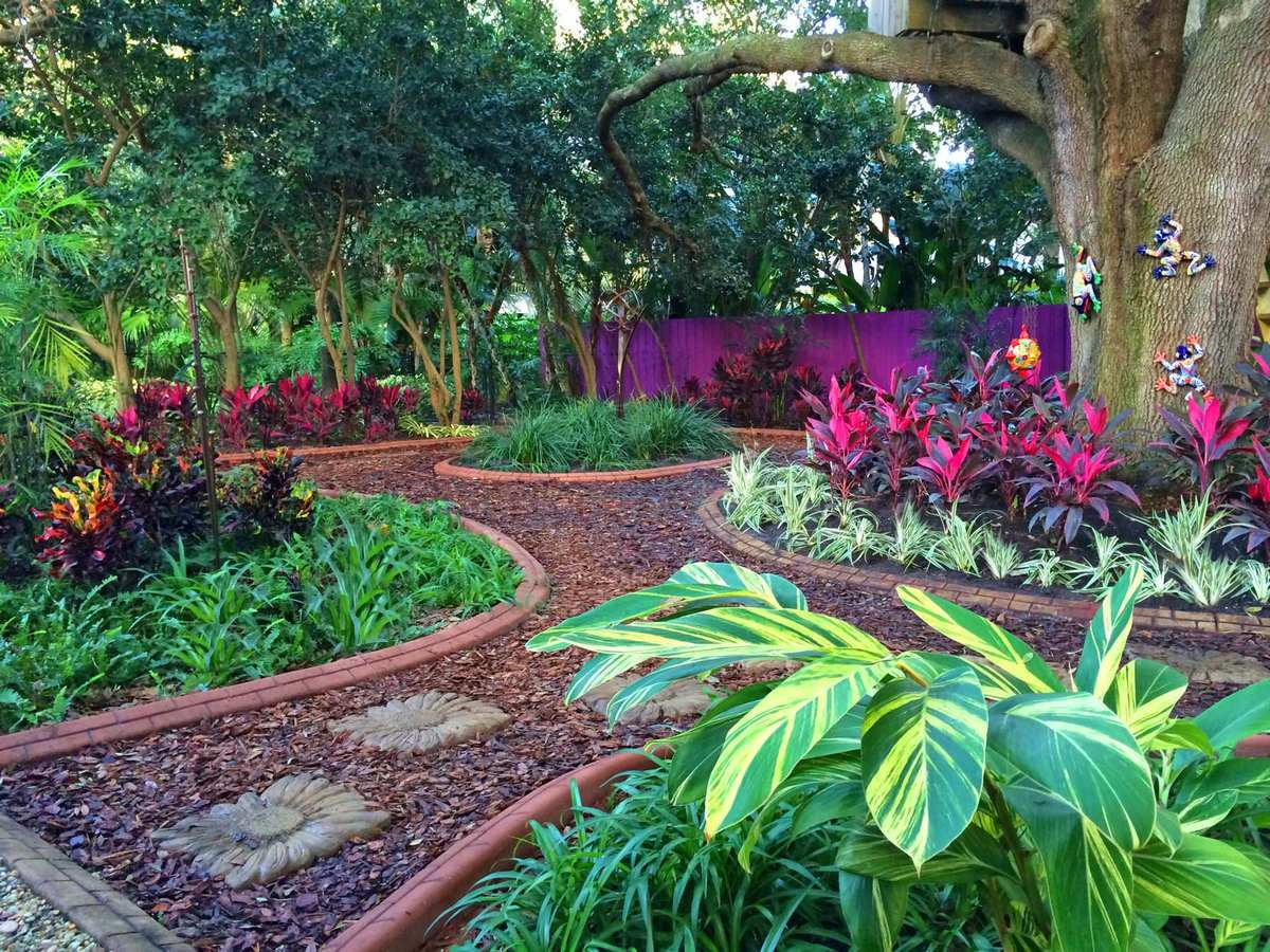 ландшафтный дизайн садового участка буйство красок
