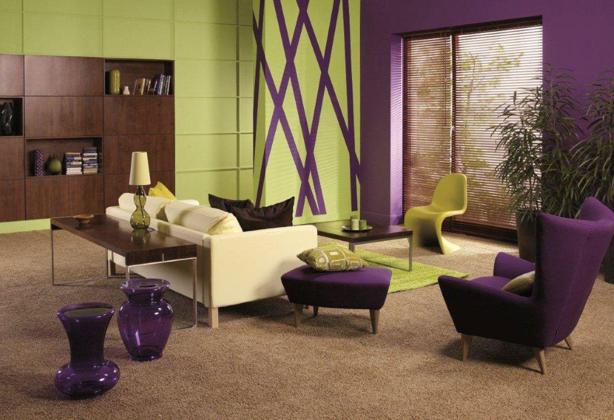 роскошный интерьер гостиной в стиле модерн с лиловыми акцентами