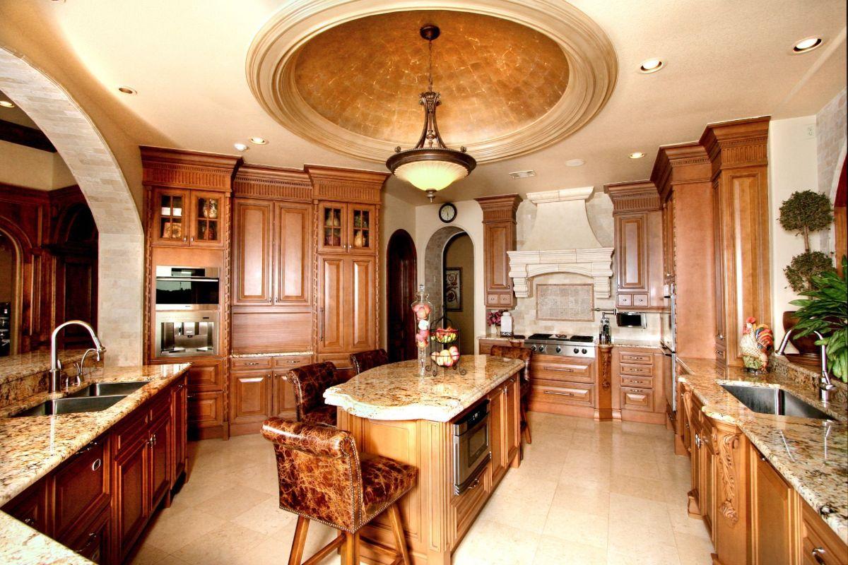 роскошный интерьер в стиле модерн дизайн просторной кухни