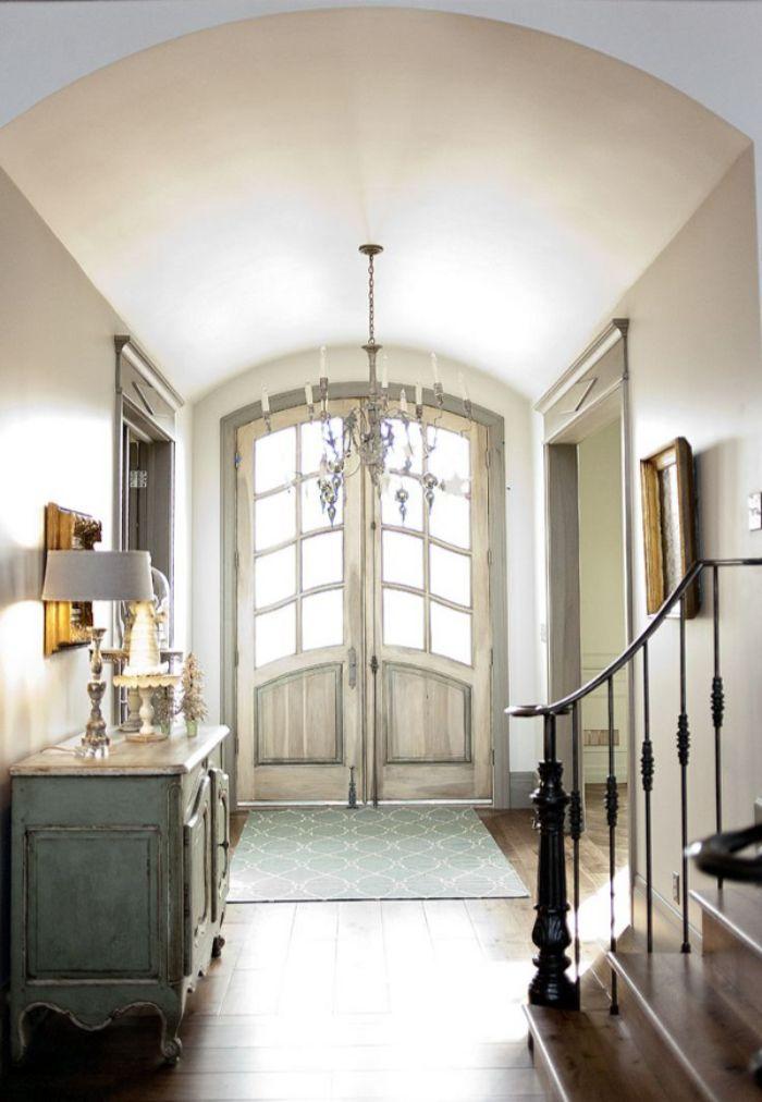 двери для прихожей в стиле прованс