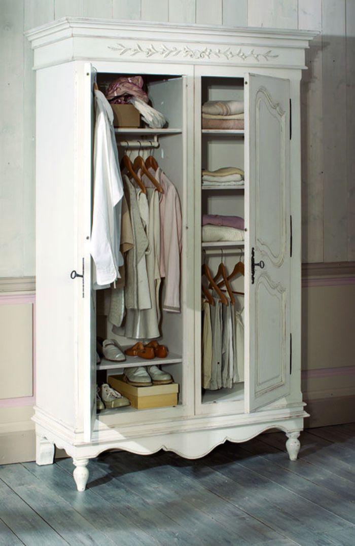 шкаф в прихожей в стиле прованс