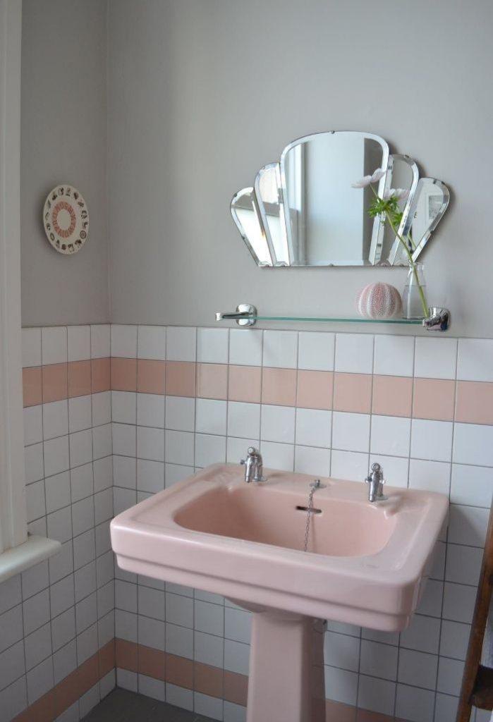 39. зеркало без рамки в ванной
