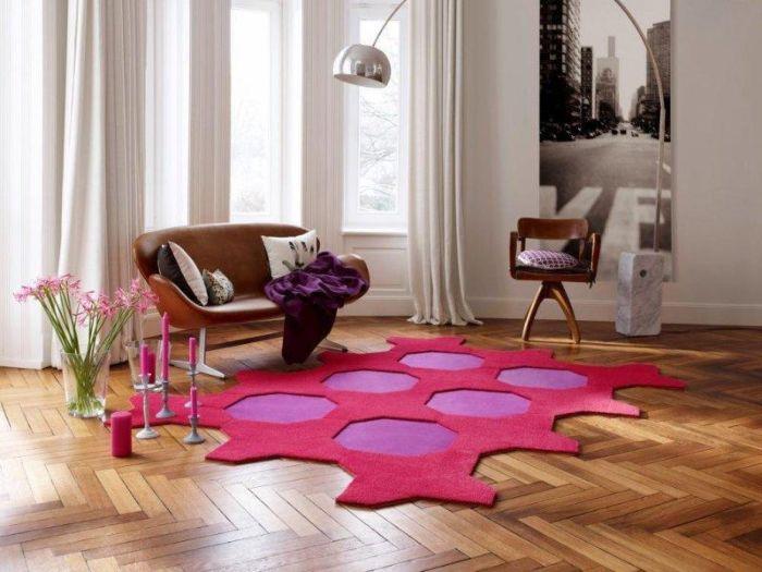 50. ассиметричный ковёр в дизайне гостиной