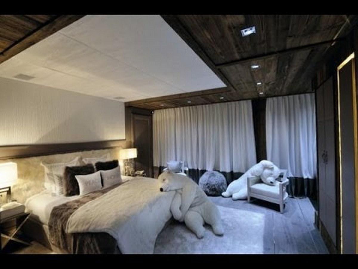 актуальный интерьер спальни в стиле шале удачный пример