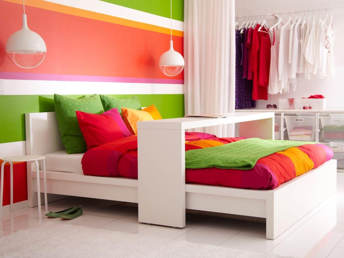 интерьер в ярких цветах дизайн спальни фото