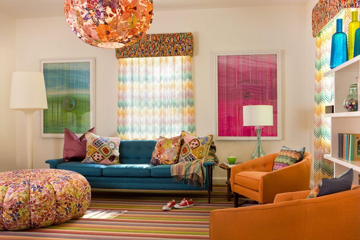 интерьер в ярких цветах разноплановый дизайн