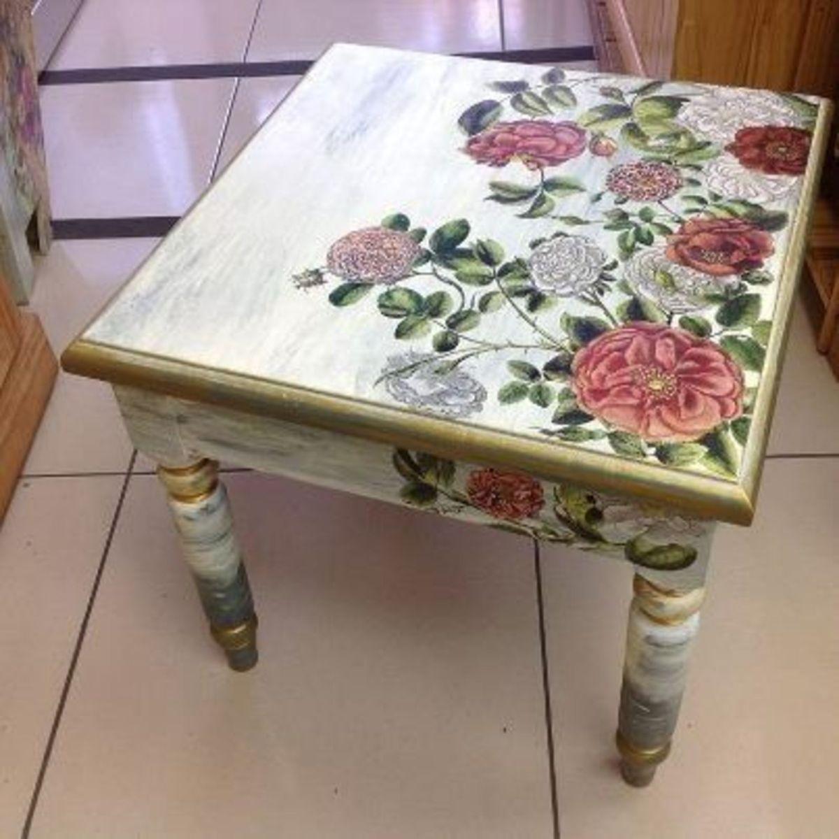 небольшой столик декор в стиле прованс своими руками