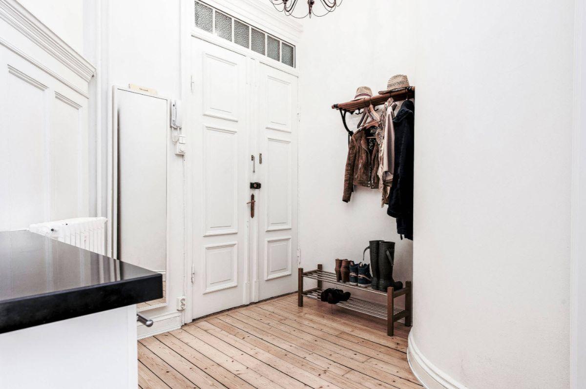 прихожая в скандинавском стиле дизайн частного дома