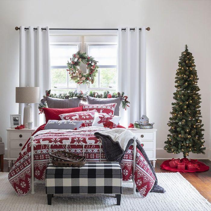 новогоднее оформление кровати в детской