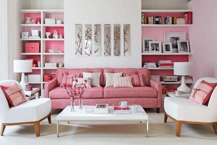 яркая мягкая мебель для зала