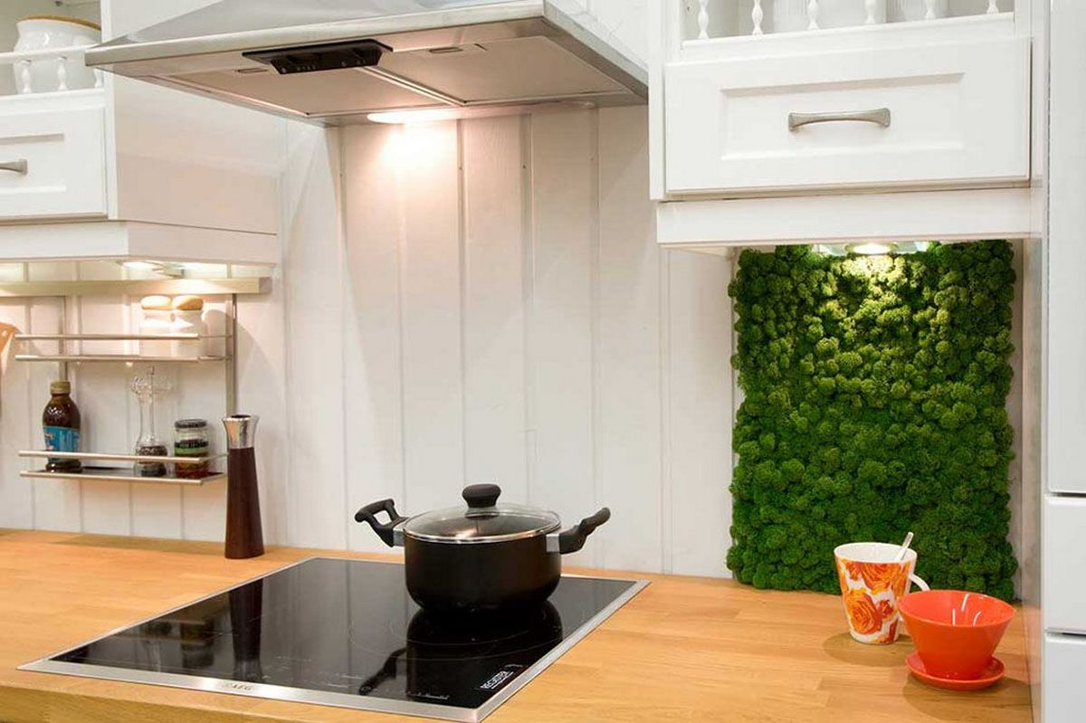 Декор стены на кухне фото