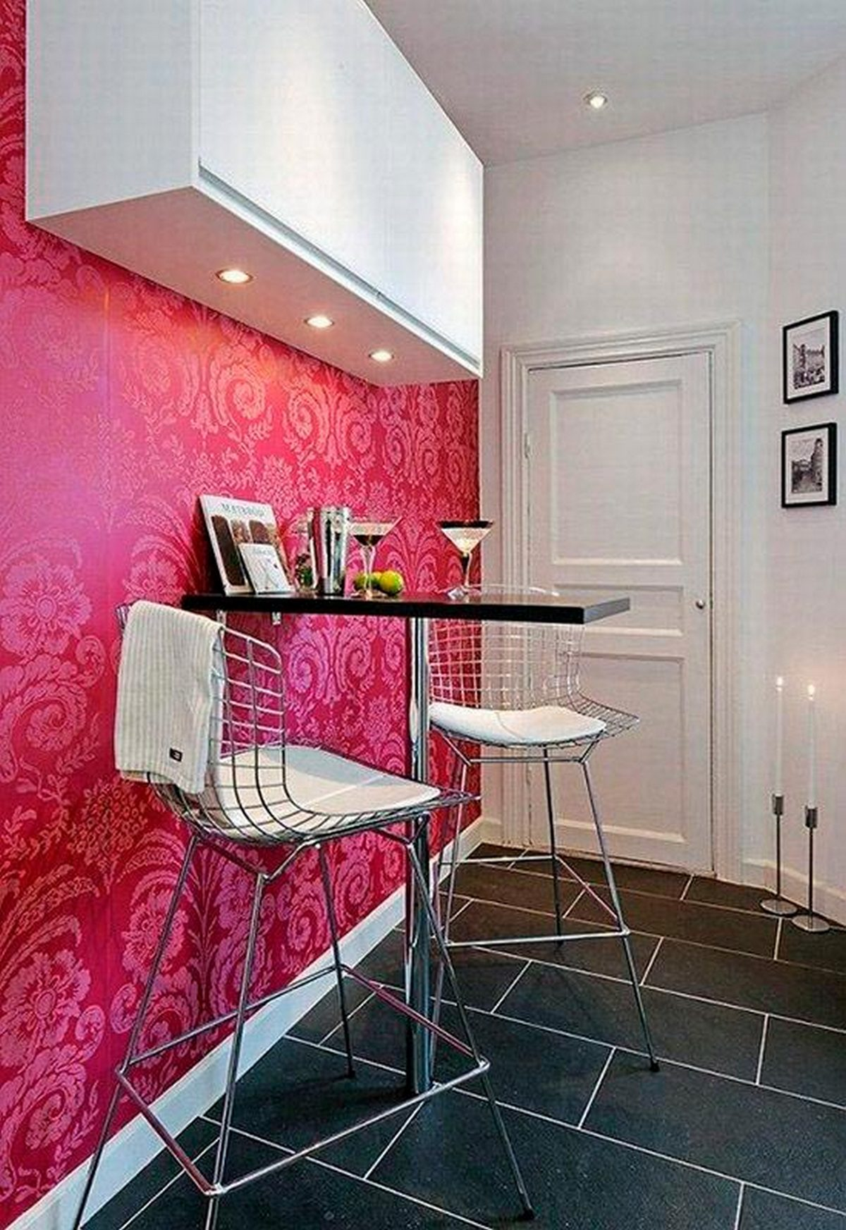 акцентная стена в интерьере декора кухни