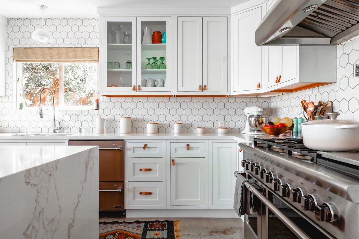 декор для кухни обои в виде сот