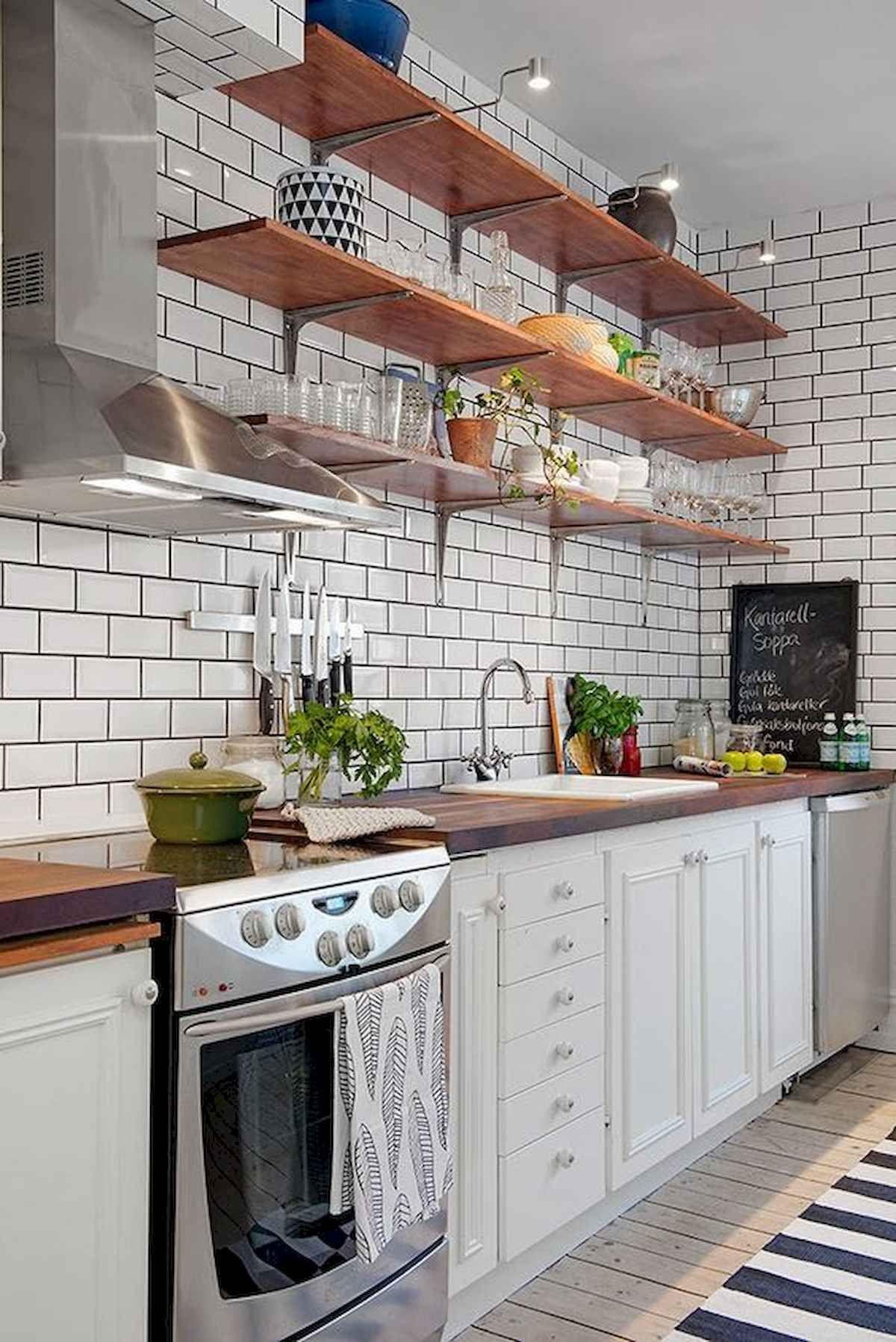 декор для кухни полки на белой кухне