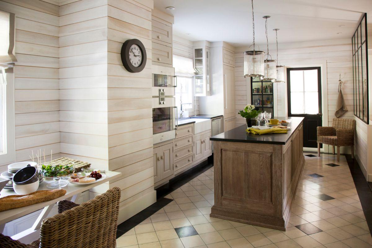 декор для кухни стены из дерева