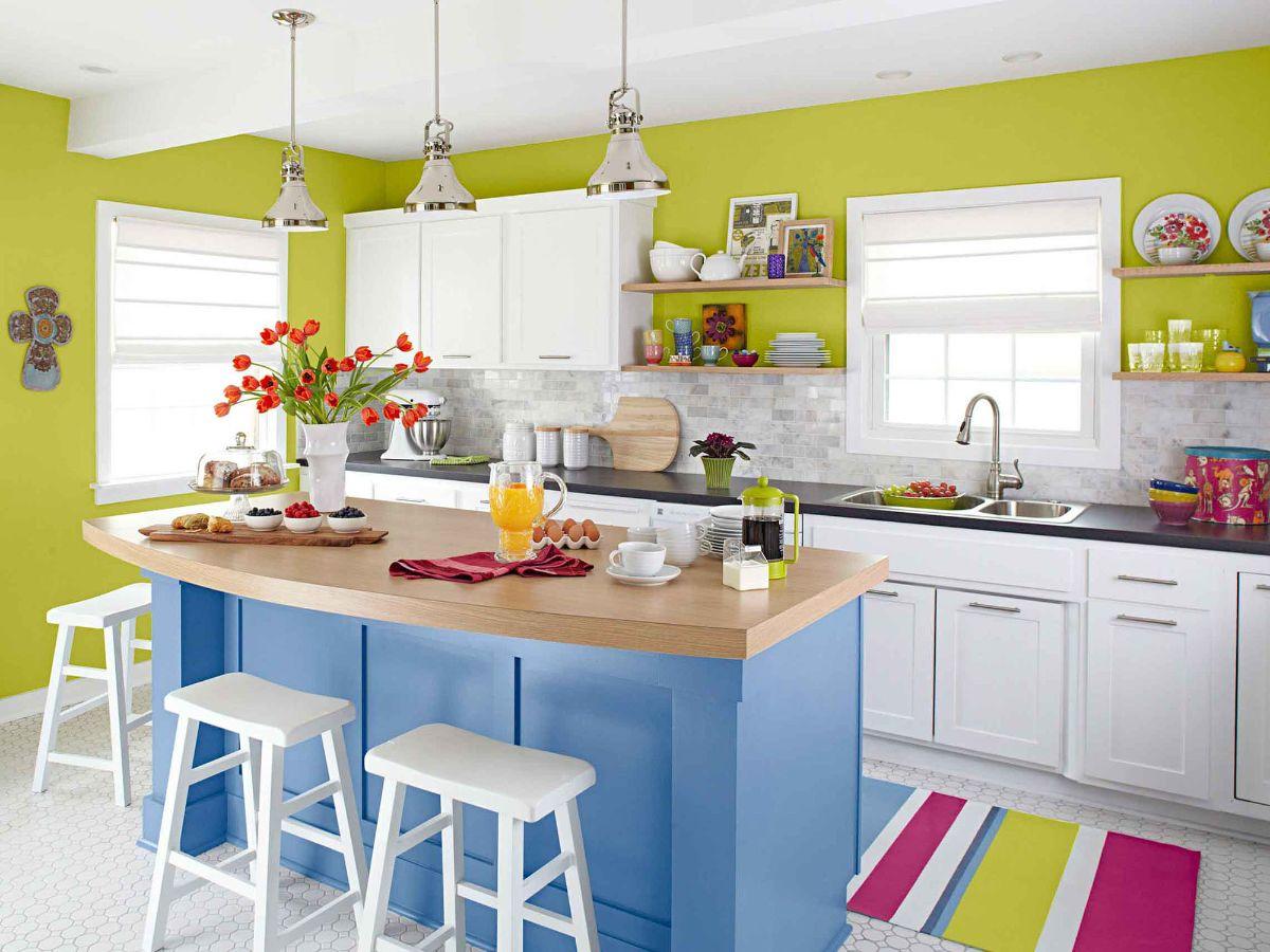 декор для кухни яркие стены