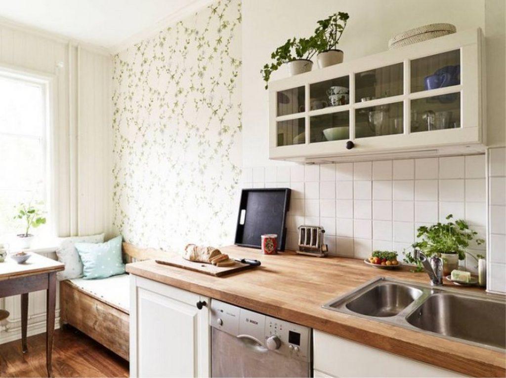 декор кухни обоями стены фото пример