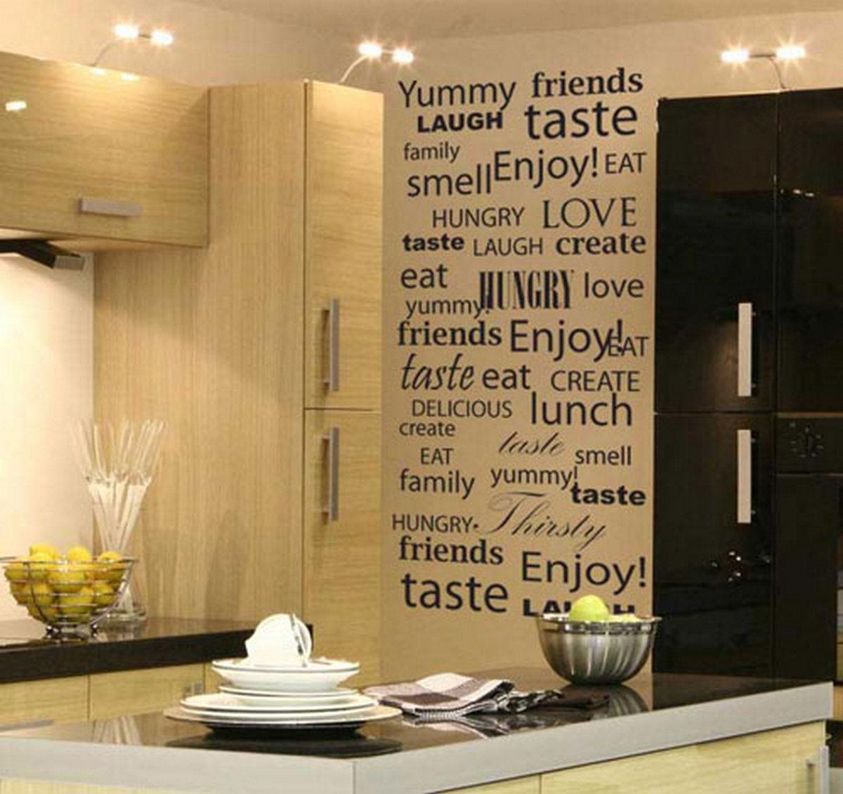 декор кухни обоями стен пример на фото