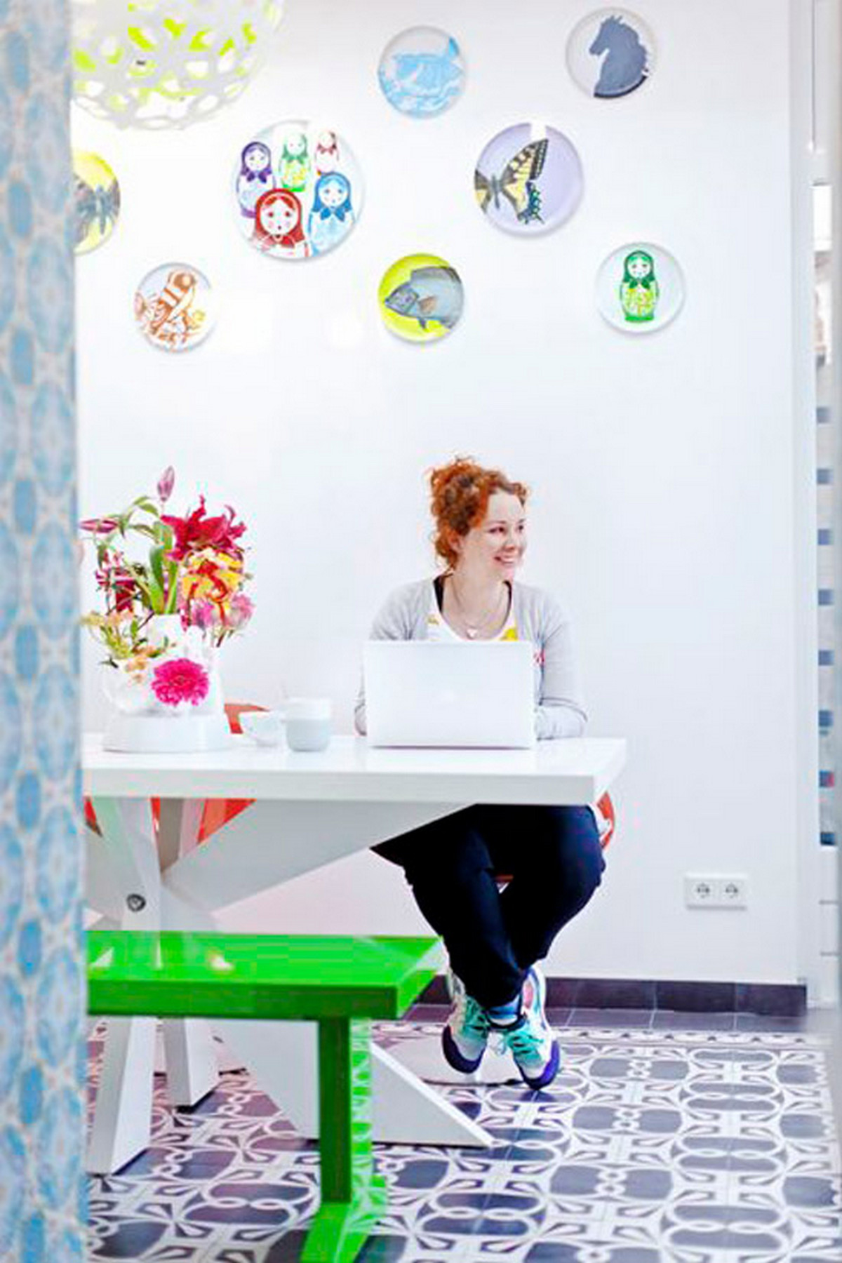 декор стен на кухне в современном стиле фото