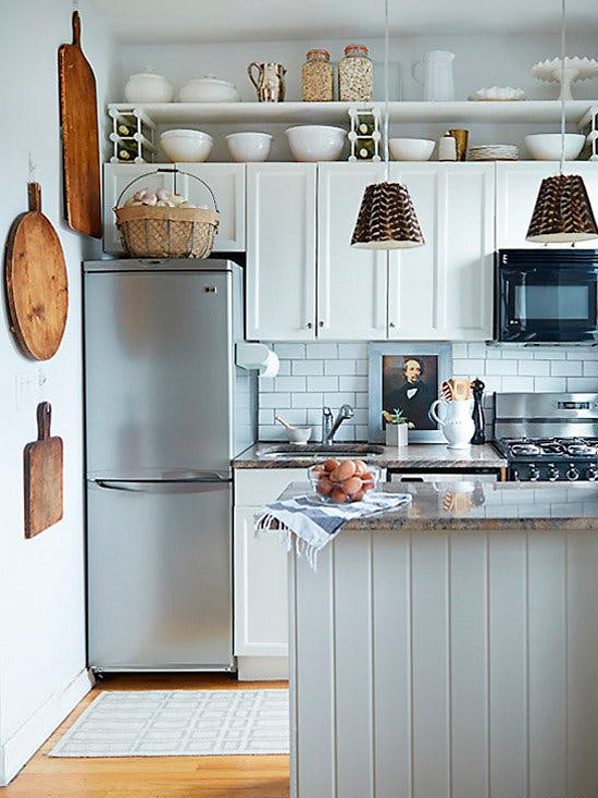 доски как декор стен на кухне