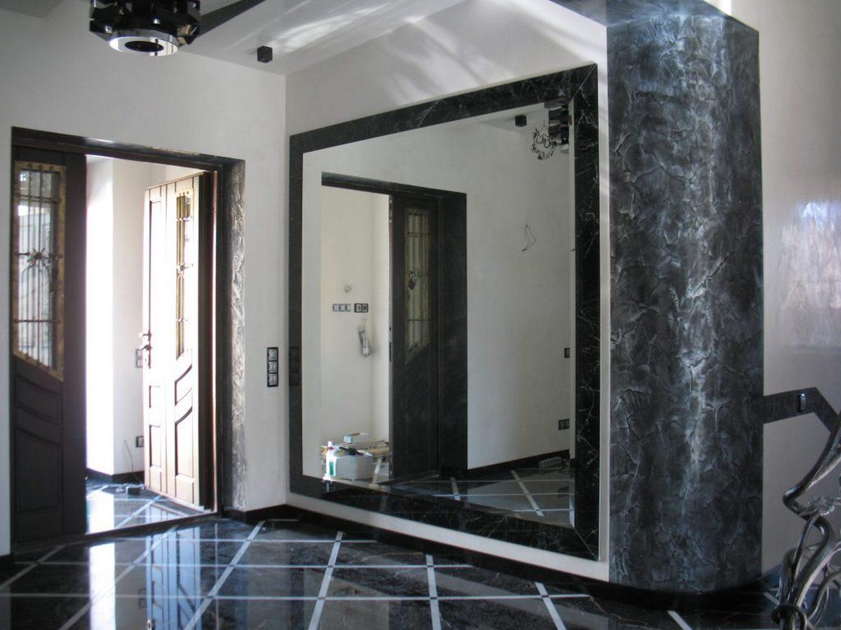 большие зеркала в интерьере прихожей