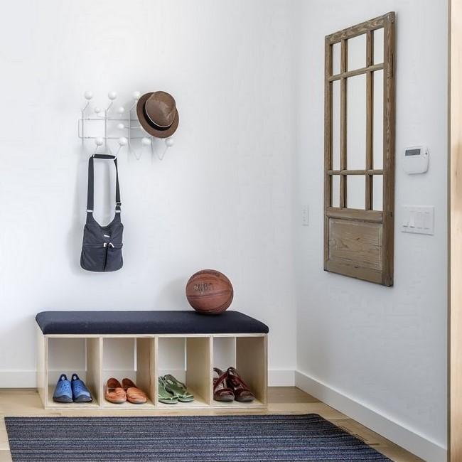 Банкетка с полками для обуви и вешалка Eames
