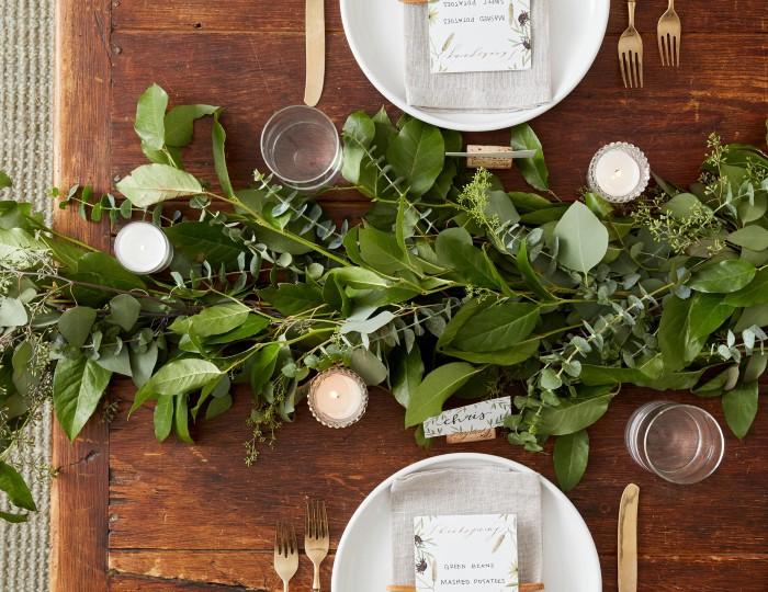 Новогоднее украшения стола из природных материалов