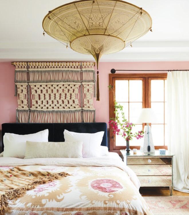 Макраме панно на стену над изголовьем кровати - современные идеи