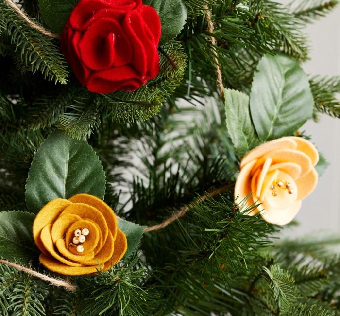 Гирлянда цветы из фетра - креативный новогодний декор