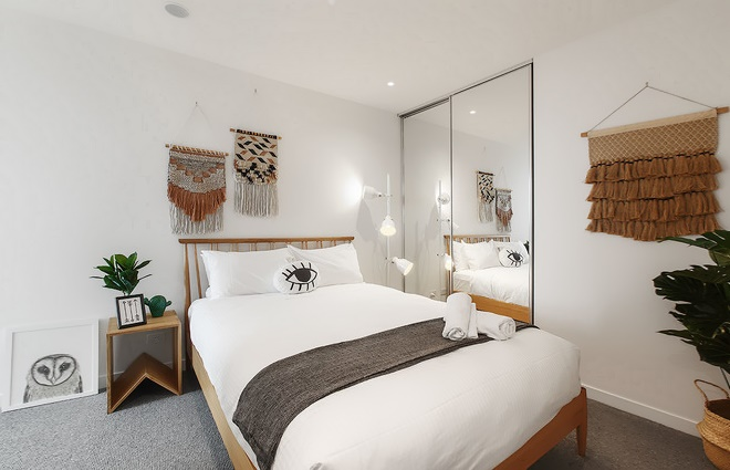 Декор для спальни макраме - фото панно в интерьере