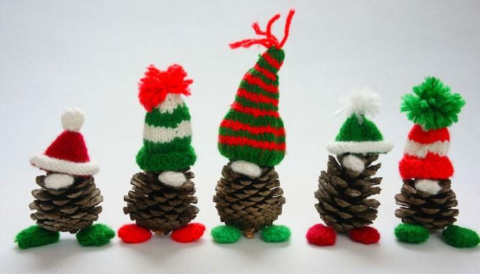 Поделки из шишек и ниток для вязания на Новый год