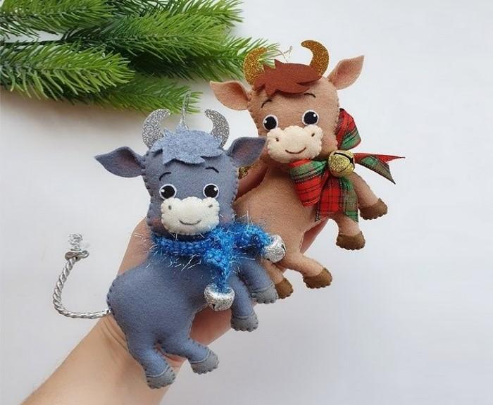 Новогодний декор - символ 2021 года - бык своими руками из фетра