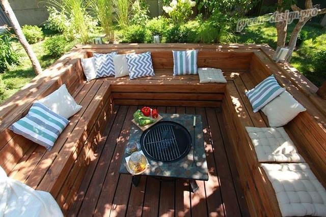 дизайн маленького дворика в частном доме с мангалом