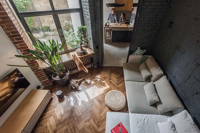 интерьер в стиле лофт в маленькой квартире два уровня