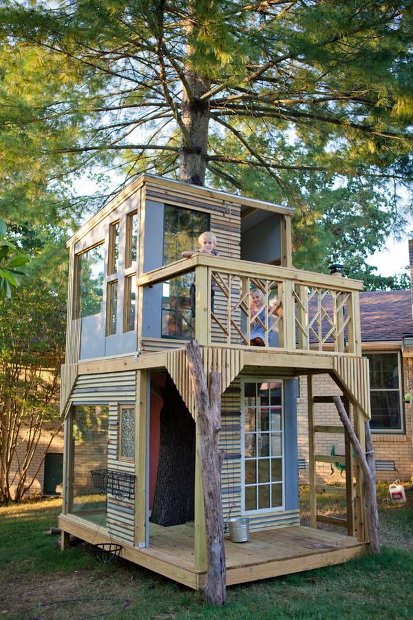 оформление маленького двора частного дома для детей