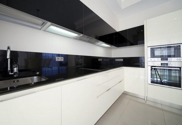 двухцветные кухни в стиле минимализм в квартирах