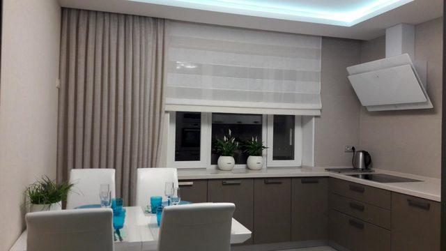 кухня в стиле минимализм шторы
