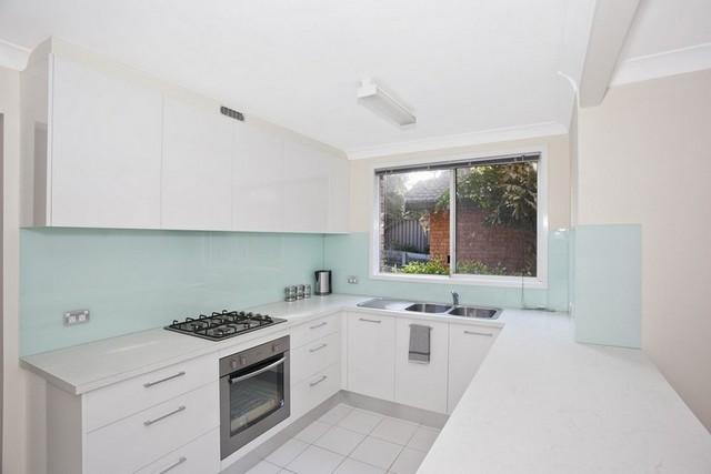 маленькая кухня в стиле минимализм в хрущёвке