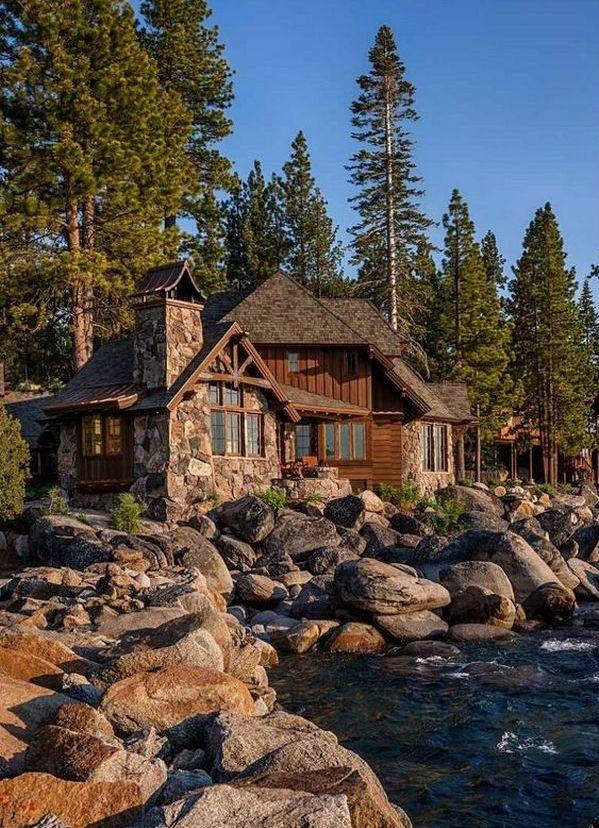 большой загородный дом в стиле шале