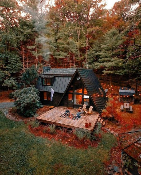 дома в стиле шале фото осень