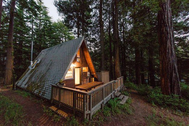 эффектный загородный дом в стиле шале