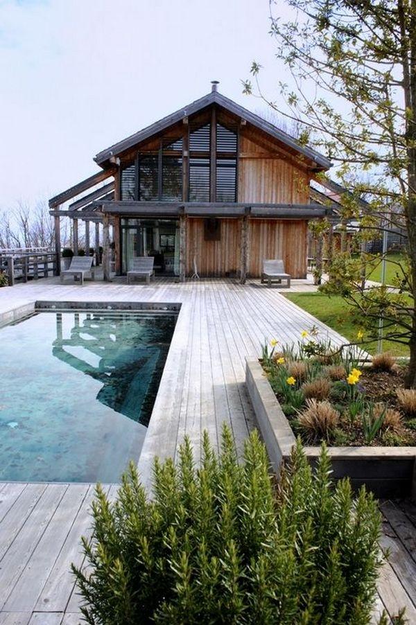 загородный дом в стиле шале с бассейном